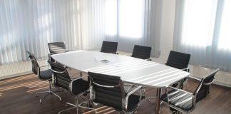 Konferenztisch / Pixabay